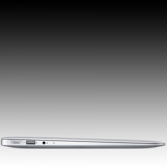 Apple MacBook Air 13.3-inch Model: A1466, 1.3GHz dual-core Intel Core i5 processor Turbo Boost up to 2.6GHz, Intel HD Graphics 5000, 4GB memory, 256GB flash storage